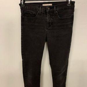 EUC Levi's 311 Shaping Skinny Jeans